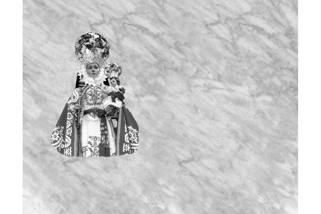 Virgen de la Fuensanta porcelánico blanco y negro