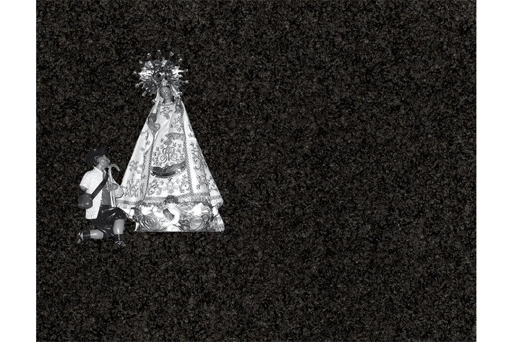 Virgen del Tremedal porcelánico blanco y negro